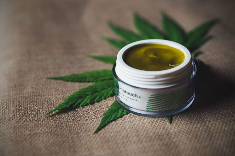 Topical CBD cream helps to relieve joint and muscle pain